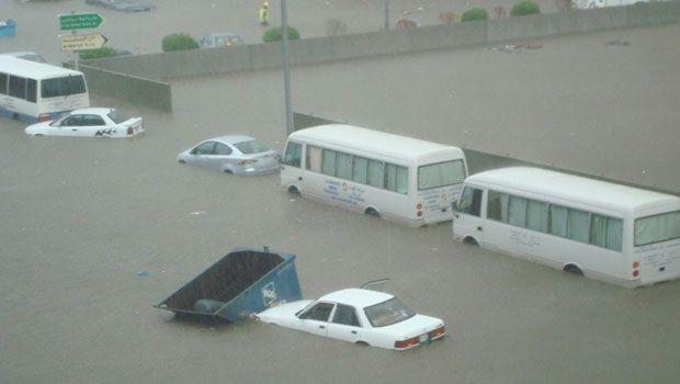 Floods in Jeddah 2011.jpg 1
