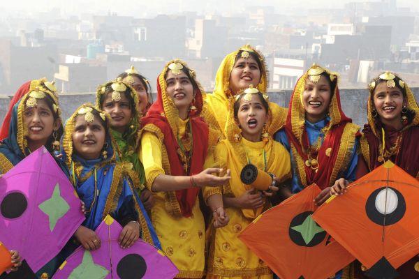 Indian Punjabi Women celebrates Basant 2011