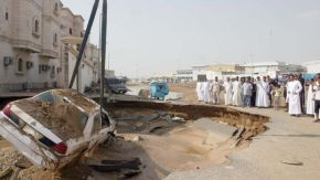 Floods in Jeddah 2011.jpg  4