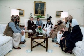 Mullah Oman w Regan Oval Office