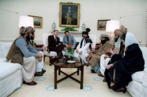 taliban-haqqni-in-white-house (1)