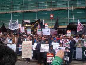 British Muslims Protest over Shia Target Killing in Pakistan APRIL 2012 b