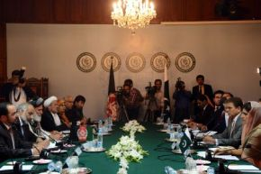 Pakistan Govt in Negotiation with Afghan Peace Council Nov 2012