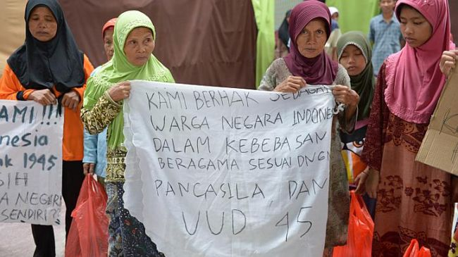 Indonesian Shia Protest against the Discrimination