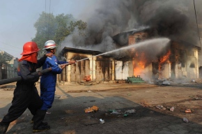 Myanmar's Rohingya Muslims House Burnt. a