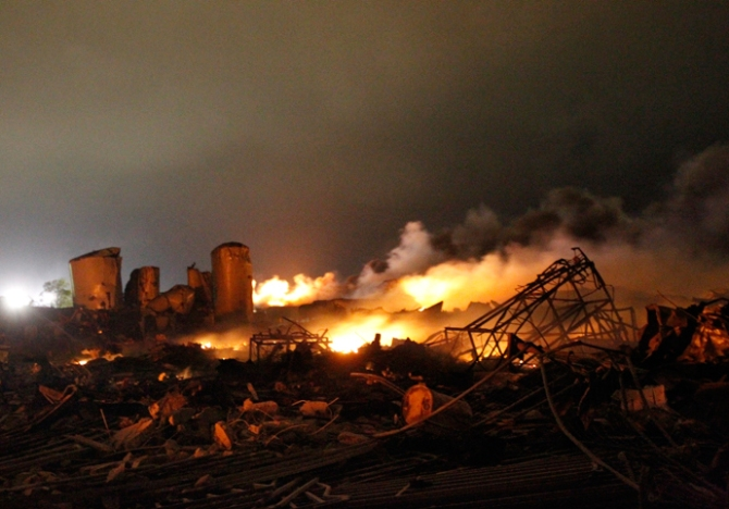 Fertlizer Plant Blast and Fire Wako , Texas , US f