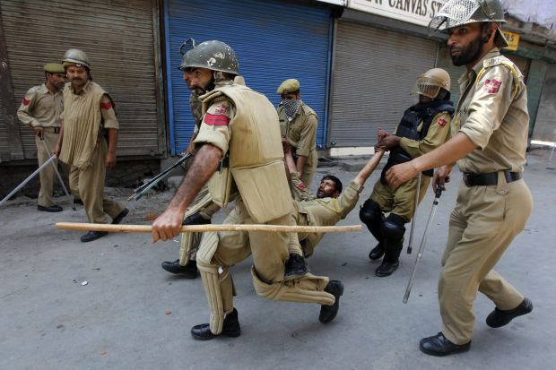 Indian BSF Kills 6 Kashmiri Muslims
