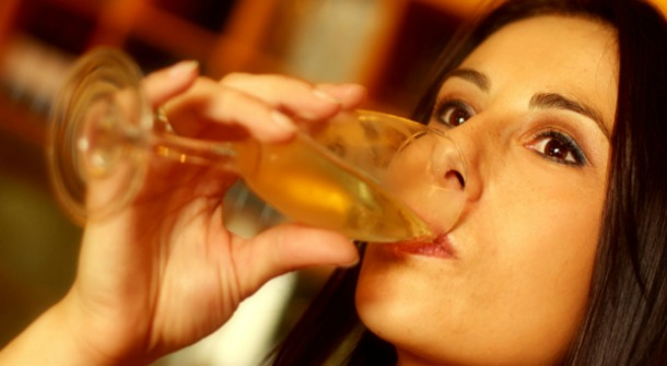Women Using Liqour raises the Risk of Breat Cancer