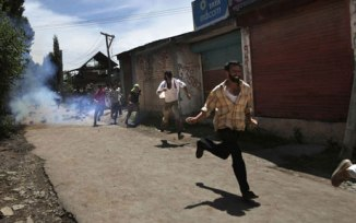 5 Killed by the Indian Para Military Troops in Kashmir