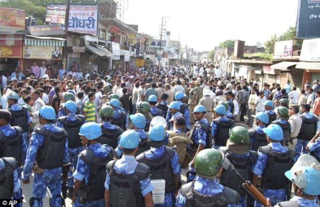 Hindu Muslims Riots in Muzzafar Nagar , UP , India f