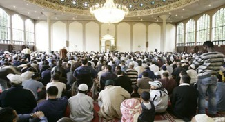 Mosques full of Muslims in UK