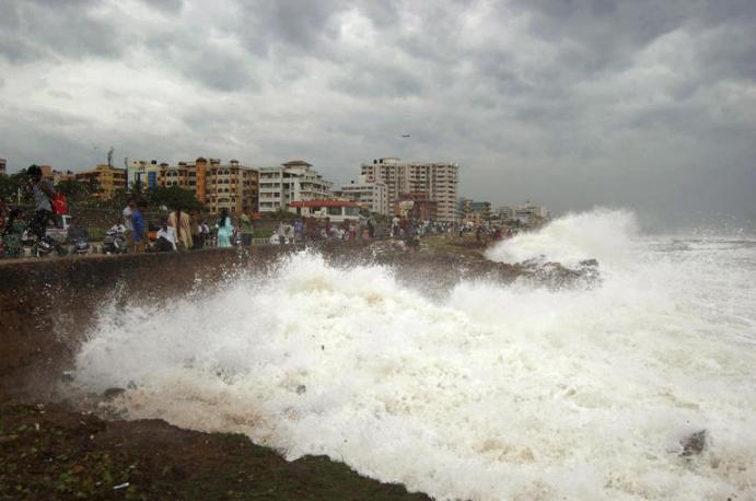 India State of Orisa Hit by a Strong Cyclone wreck Havoc d