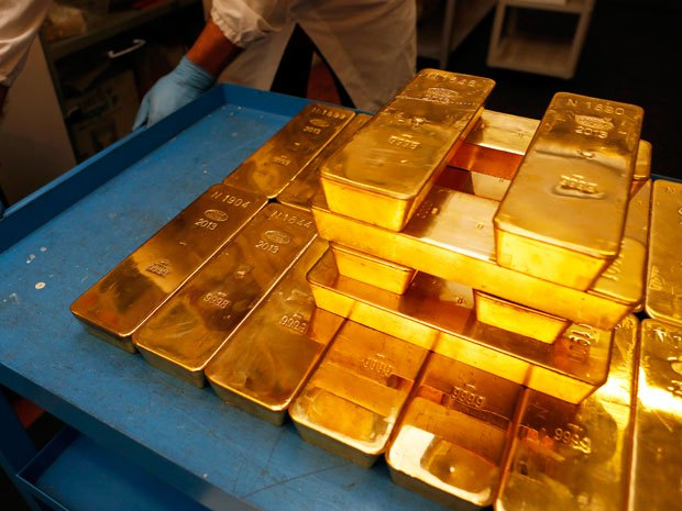 Gold Prices Slide Further Down