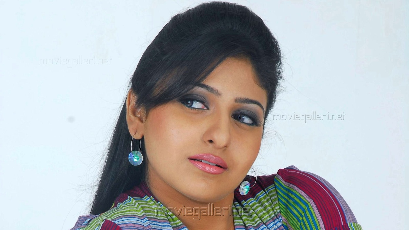 Another Indian Actress Converts To Islam Quits Films Jafria News
