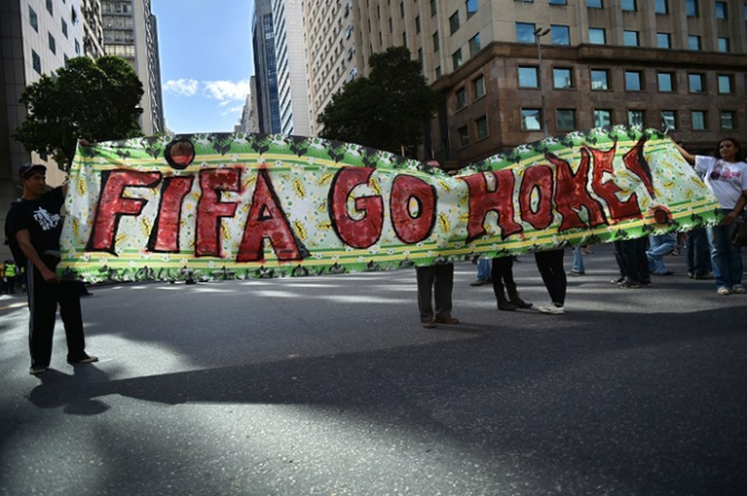 BRAZIL-PROTEST-FBL-WC-2014
