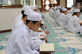 One Million Irani School Children Memorizes Holy Quran