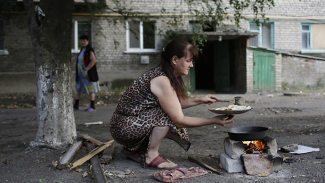 Power , Energy , Medical Supplies Cut off of East Ukraine