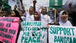 Filipino Muslims gets Self Rule in the Autonomous Region