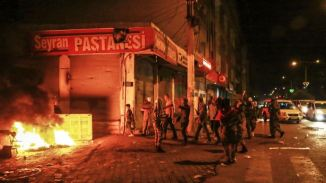 Turkish Kurds Protest against Govt's Inaction against ISIL Terrorist