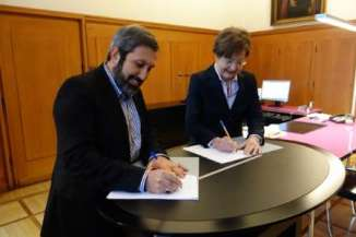 Iran Germany Sign Accord for cooperation in Shia Studies in University Program