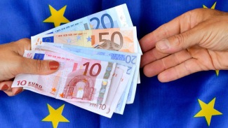 Euro falls to its Lowest level in 6 Years