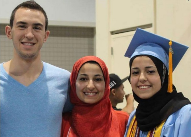 Deah Shaddy Barakat, 23, his wife Yusor Mohammad, 21, and her sister, Razan Mohammad Abu-Salha, 19 , Muslims Shot in Chapel Hill , Carolina , US