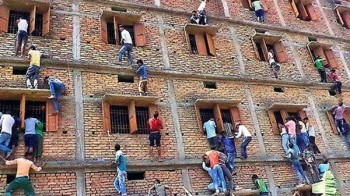 Indian Bihar where cheating in final exams on Large Scale