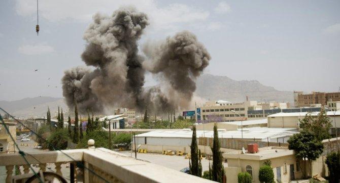 Saudi's Using Chemical Weapons on Yemeni Civilians. a