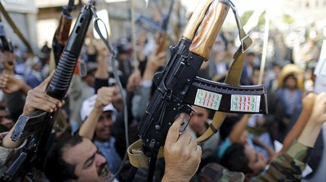 Shia Houthi Threatens to Attack Saudi Arabia it Air Strikes Continue