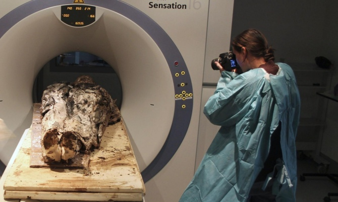 French Noble Woman Corpse Found fully intact after 350 Years