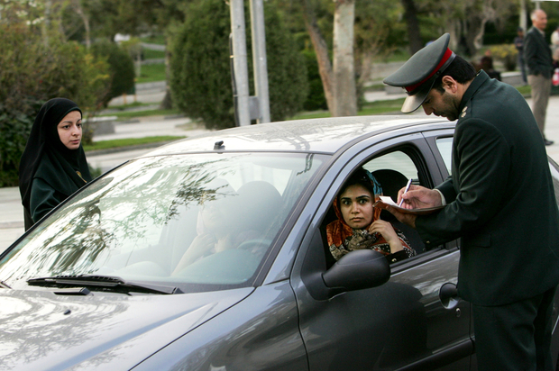 IRAN-WOMEN-SOCIETY-CARS