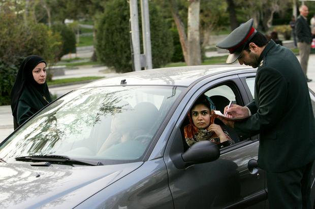 IRAN-WOMEN-SOCIETY-CARS